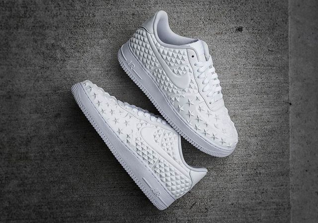 nike-air-force-1-star-white-independence-day-2_result