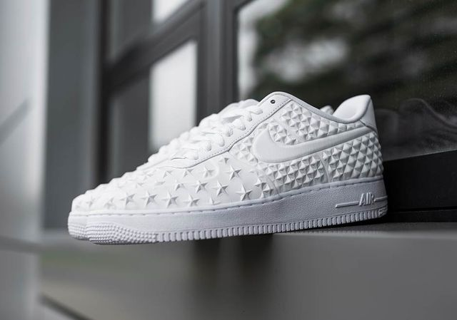 nike-air-force-1-star-white-independence-day_result