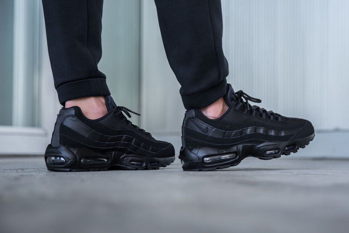 nike-air-max-95-black-anthracite-1