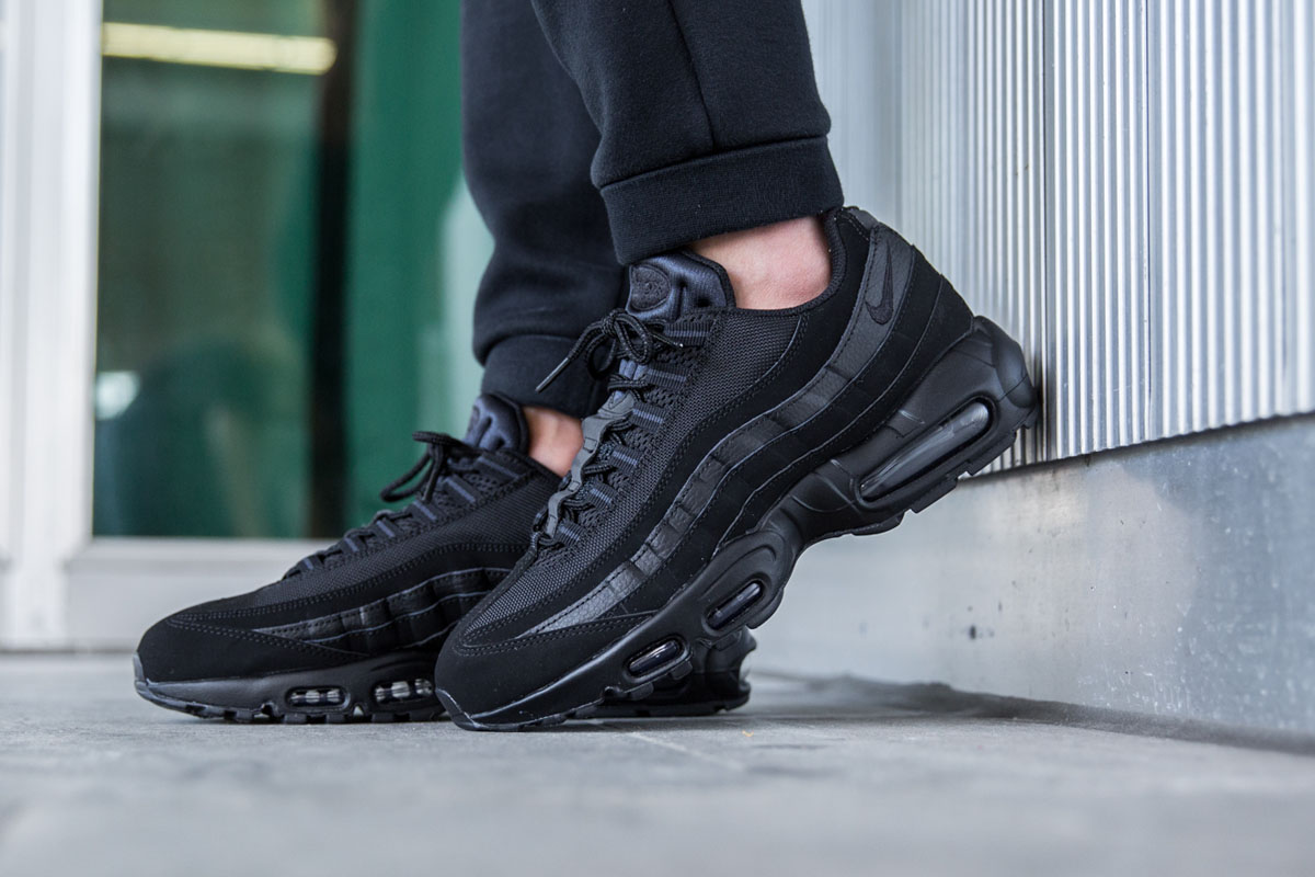 nike-air-max-95-black-anthracite-4