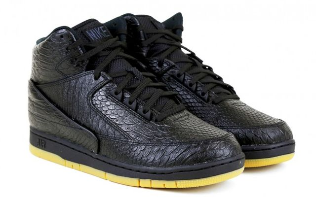 nike-air-python-black-gum-1-681x435_result