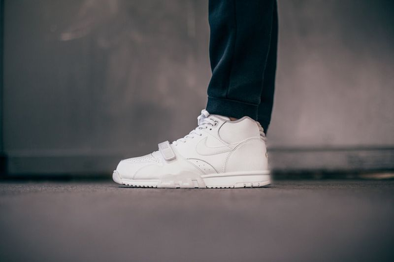 nike-air-trainer-1-white_04