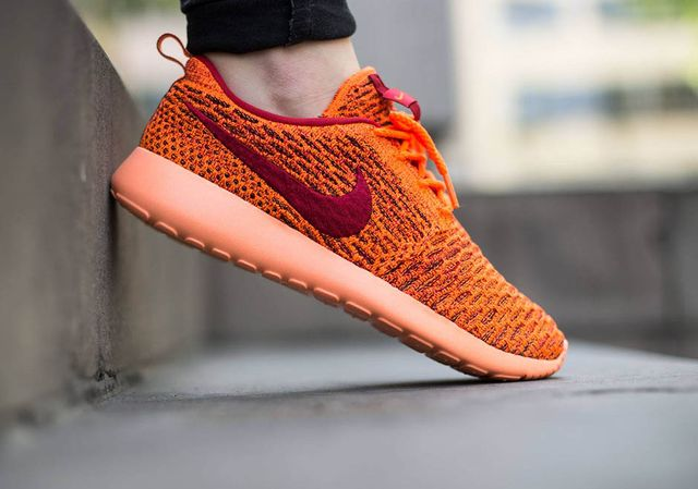 nike-flyknit roshe-total orange