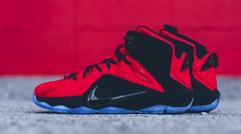 nike-lebron-xii-ext-red-paisley-1