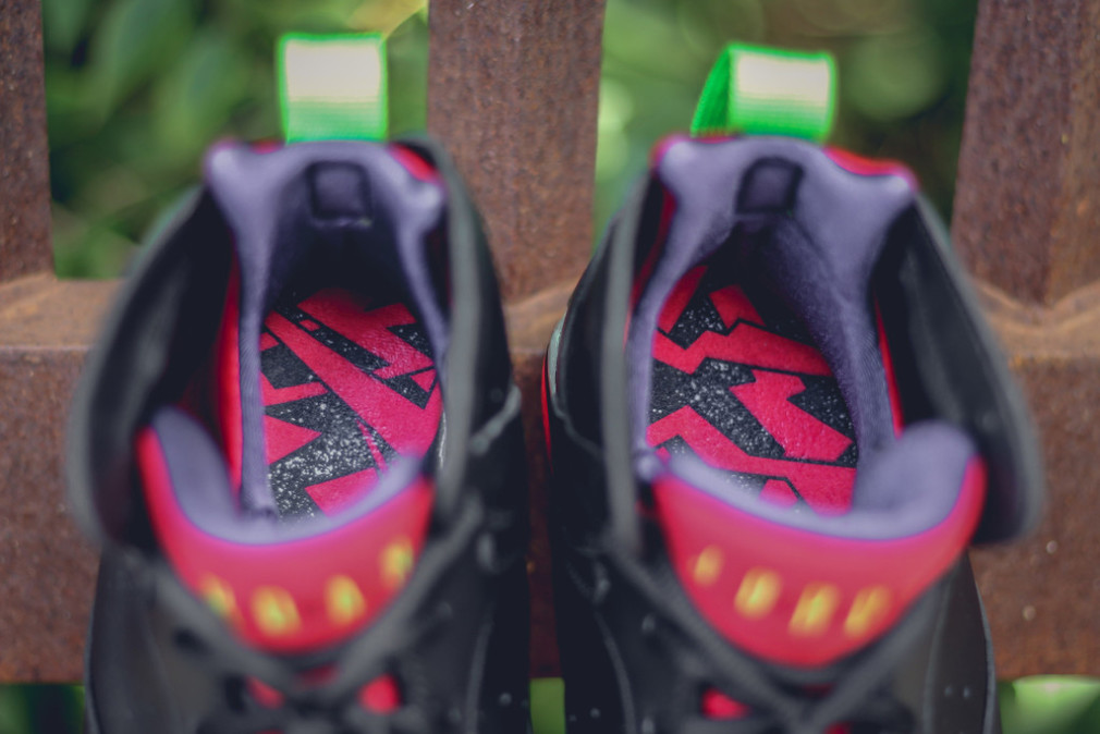 304775-029-304775-029-air-jordan-7-retro-marvin-the-martian-2-1010x674