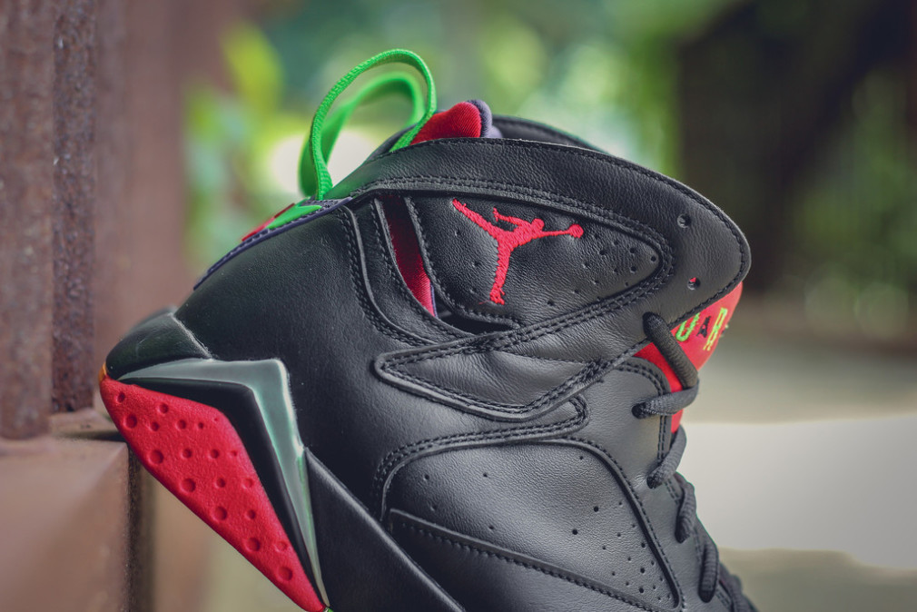304775-029-304775-029-air-jordan-7-retro-marvin-the-martian-5-1010x674