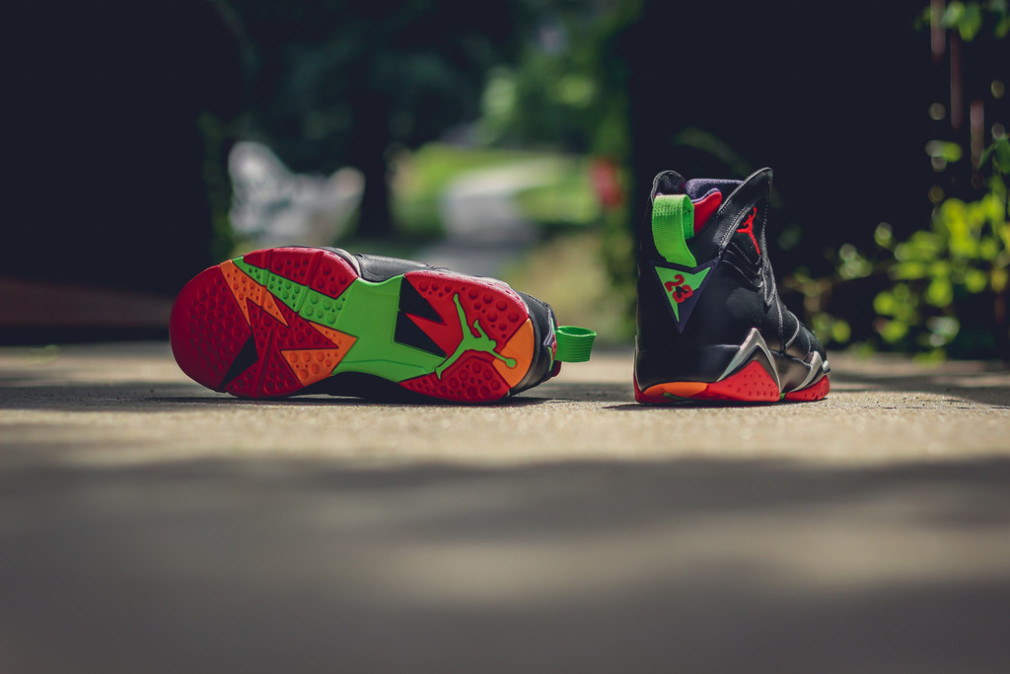 304775-029-304775-029-air-jordan-7-retro-marvin-the-martian-6-1010x674