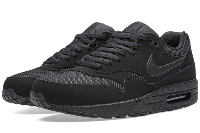 Nike-Air-Max-1-Essential-Black-681x454