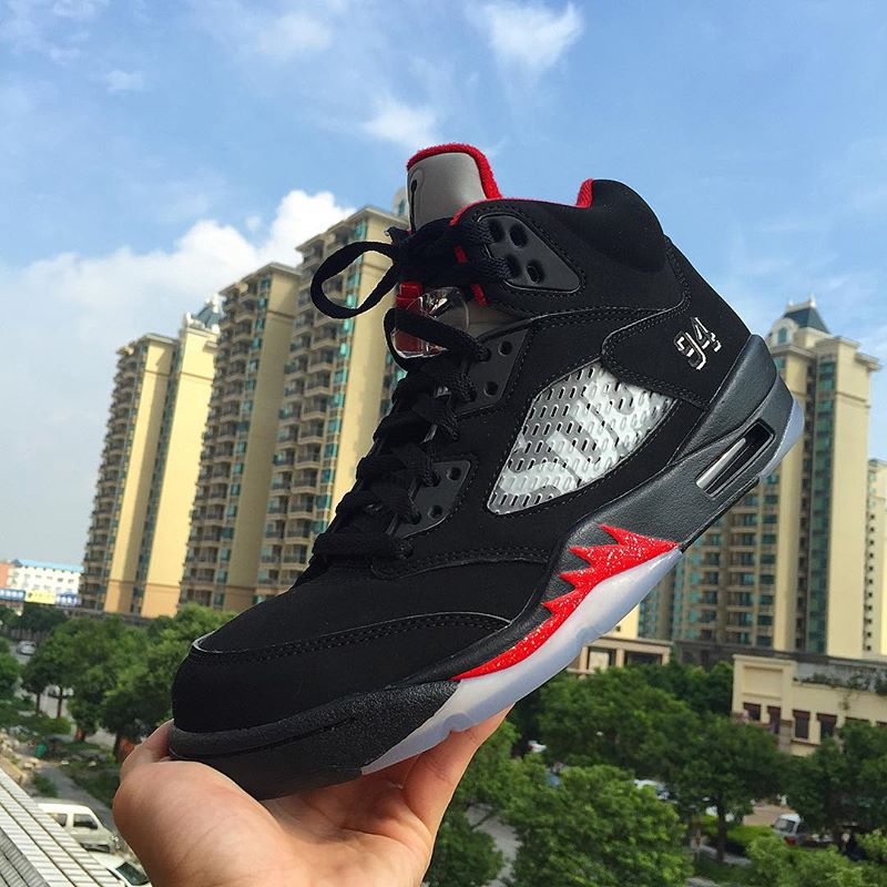 air-jordan-5-supreme-black-2