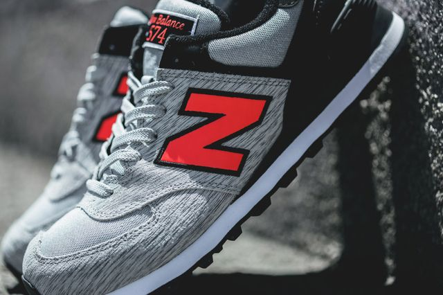 new balance-574-grey-black-orange_02