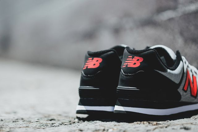 new balance-574-grey-black-orange_03