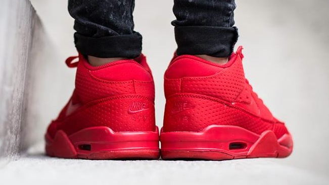 nike-air flight classic-uni red_04
