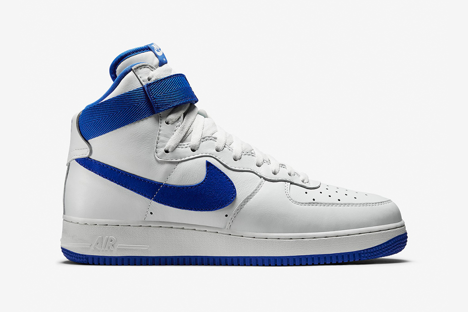 nike-air-force-1-high-retro-qs-game-royal-2-960x640