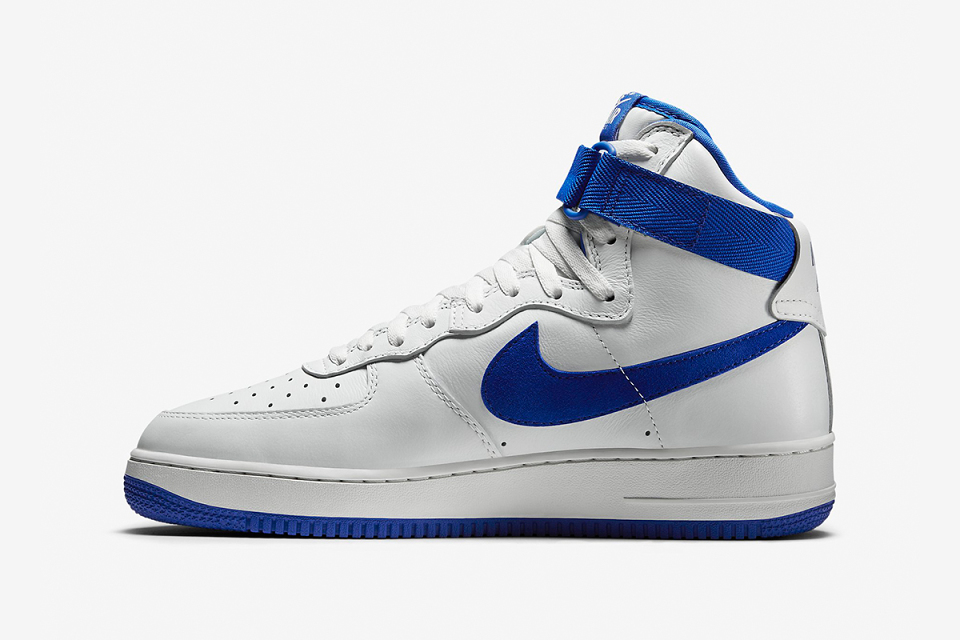 nike-air-force-1-high-retro-qs-game-royal-3-960x640