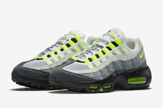nike-air-max-95-neon-release-date-2-681x453