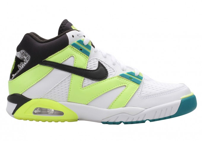 nike-air-tech-challenge-3-volt-retro-681x478