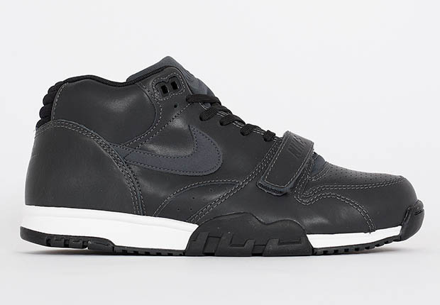 nike-air trainer 1-black leather_02