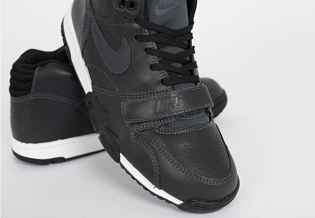 nike-air trainer 1-black leather_04