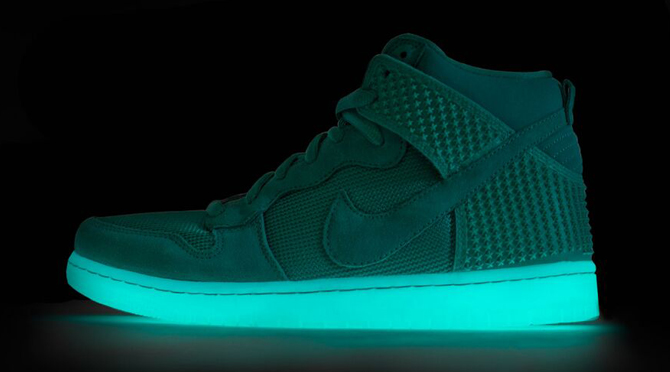 nike-dunk-high-green-glow-in-the-dark