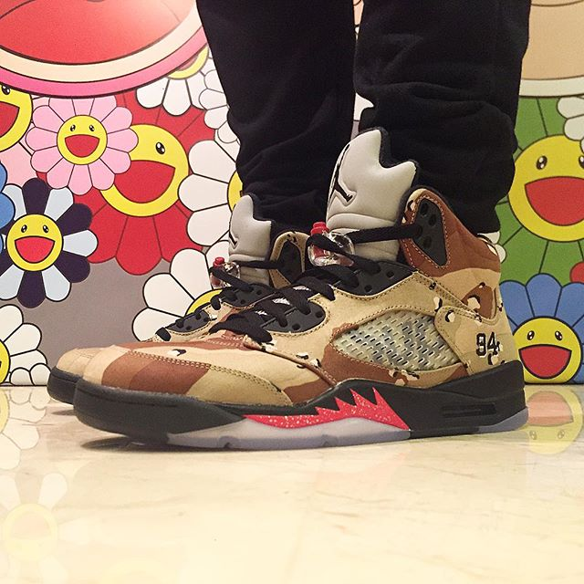 supreme-air-jordan-5-camo-on-foot