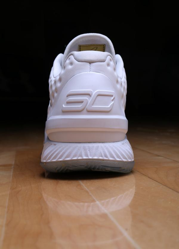 under-armour-curry-one-low-friends-family-championship-pe-2
