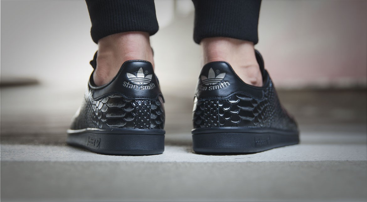 adidas-stan-smith-black-reptile-2