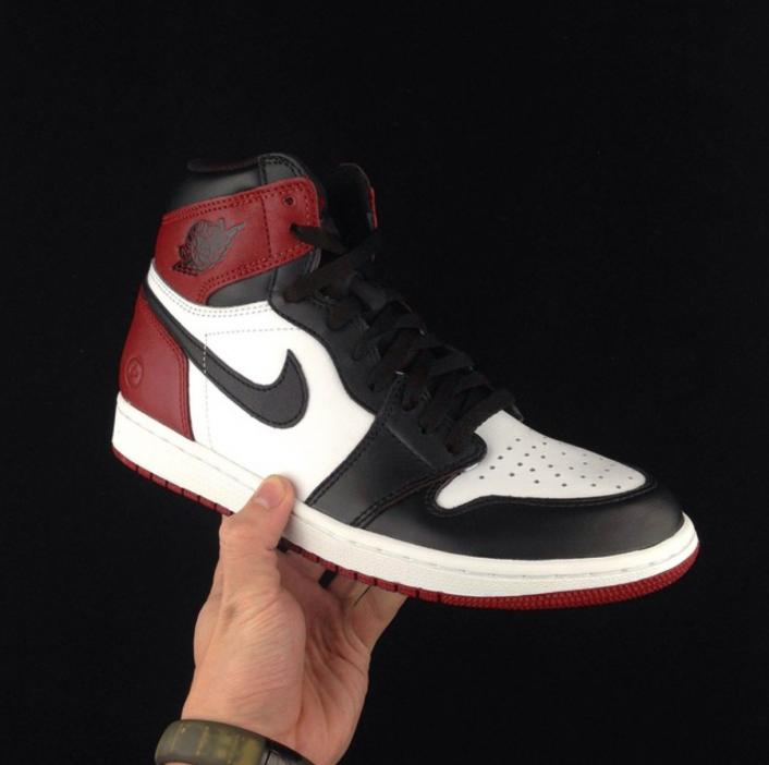 air-jordan-1-fragment-black-toe