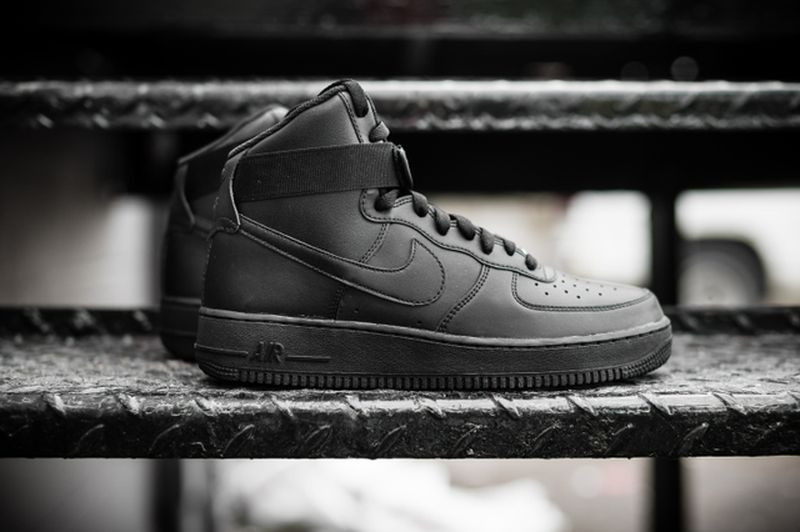 nike-air-force-1-high-black_02_result