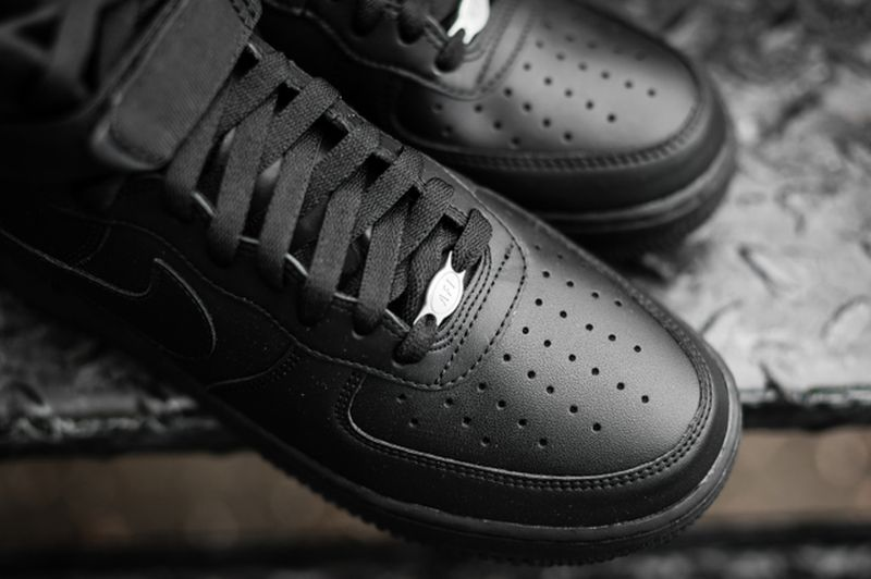 nike-air-force-1-high-black_03_result