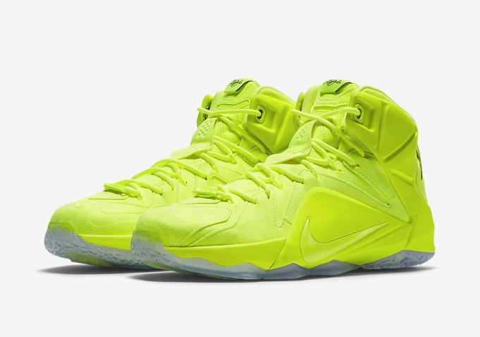 nike-lebron-12-volt-official-images-3-681x478