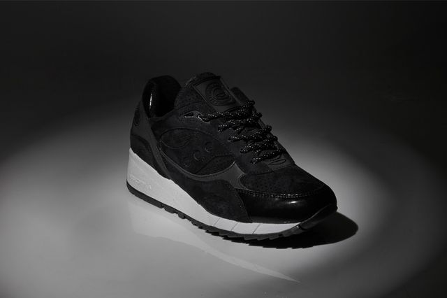 offspring-saucony-shadow 6000 stealth