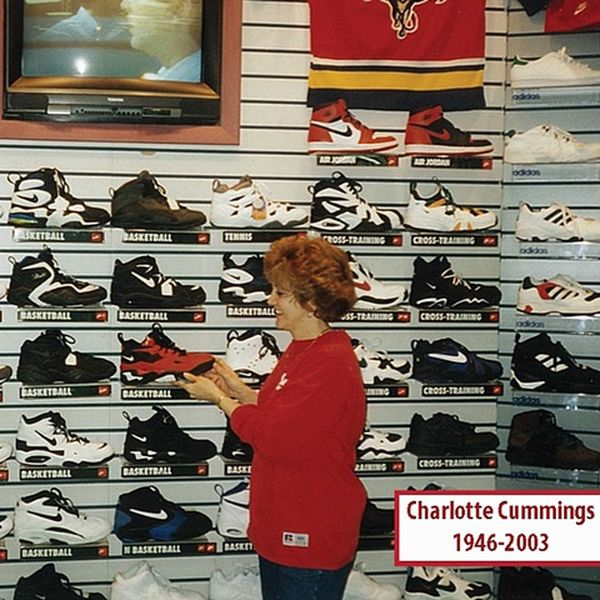 sneaker-sporting-goods-store-mid-90s_result