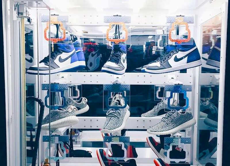 sneaker-vending-machine