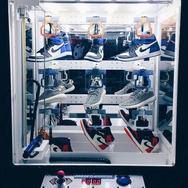 sneaker-vending-machine_02