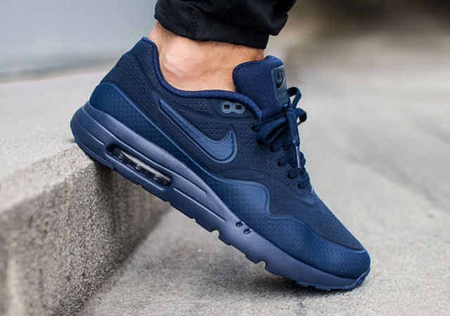 nike-air-max-ultra-moire-midnight-navy-1