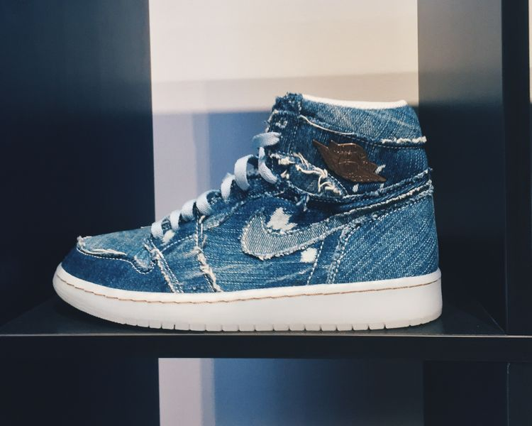 "Air Jordan 1 Pinnacle ""Denim"""