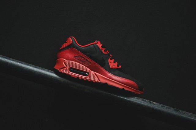 nike-air-max-90-winter-gym-red-black-3