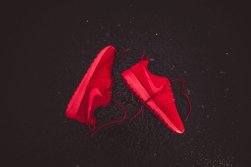 nike-roshe-run-red_03_result