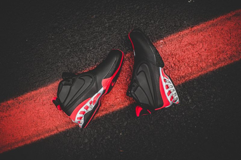 nike-zoom-vick-falcons_02_result