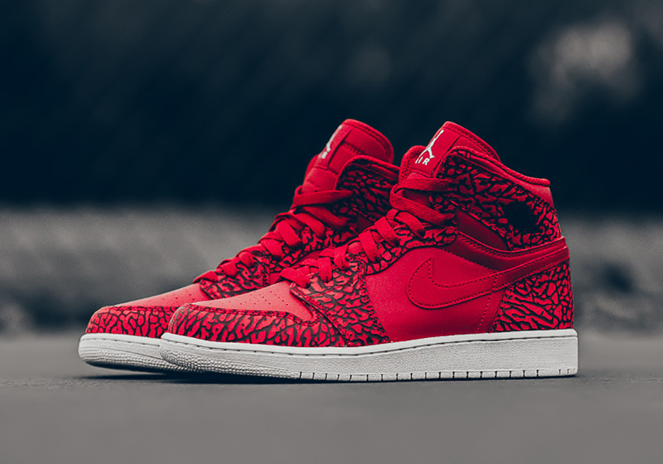 air-jordan-1-high-un-supreme-red-elephant