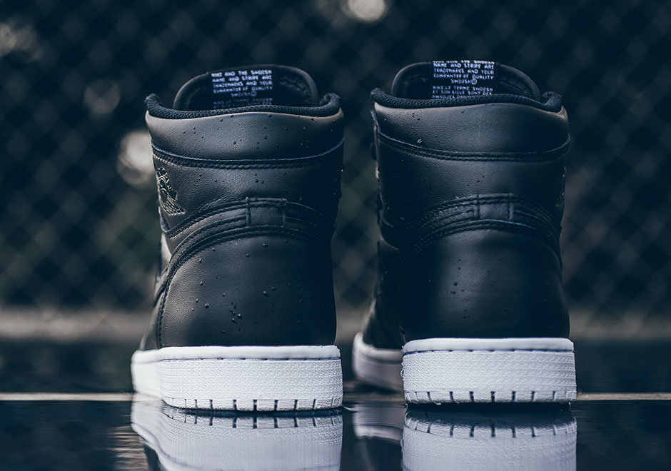 air-jordan-1-og-cyber-monday-black-white-6