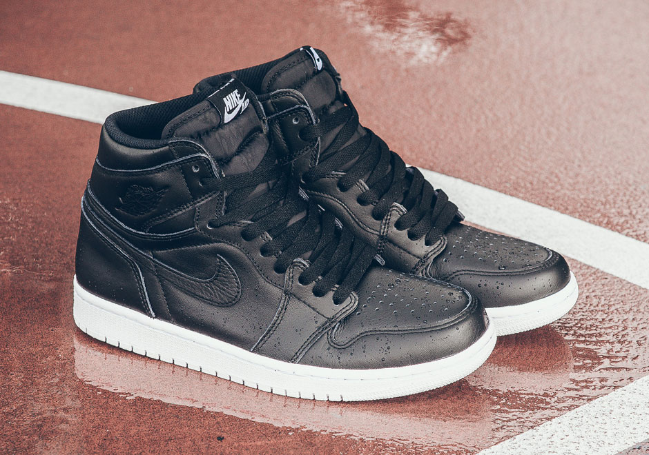 air-jordan-1-og-cyber-monday-black-white