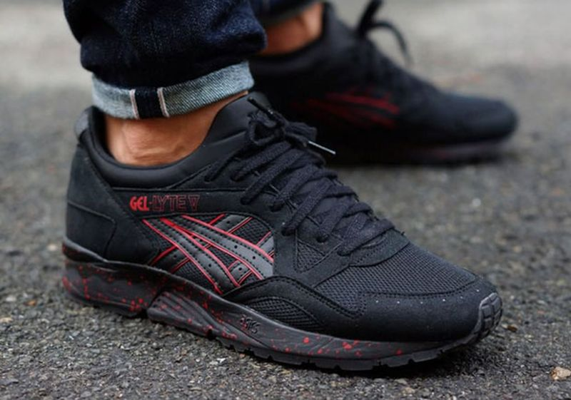 asics-gel-lyte-v-black-red-speckle-sole-1