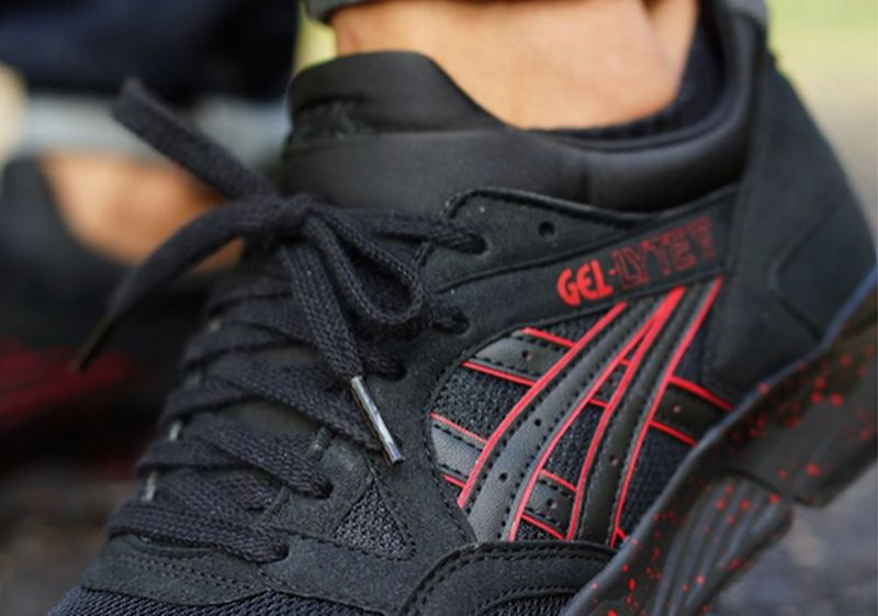 asics-gel-lyte-v-black-red-speckle-sole-2