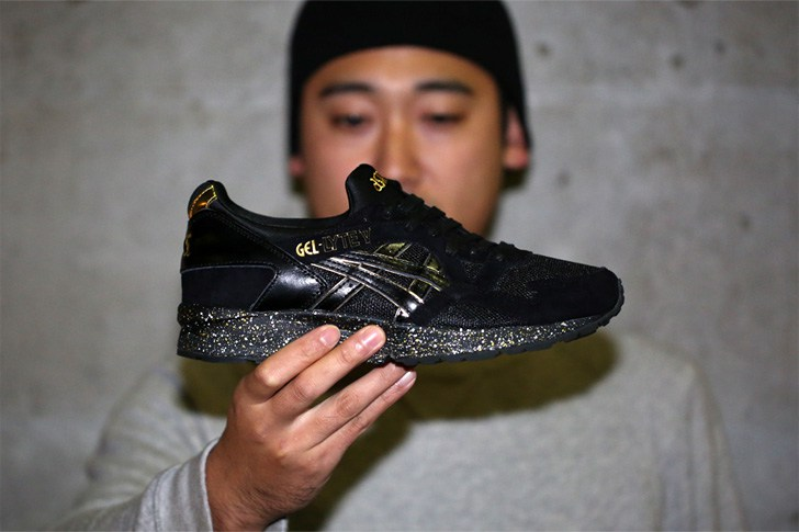 atmos-asics-gel-lyte-v-black-gold-1