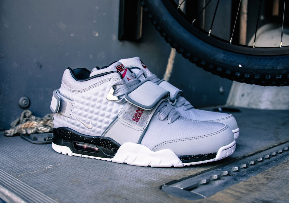 nike-air-cruz-wolf-grey-black
