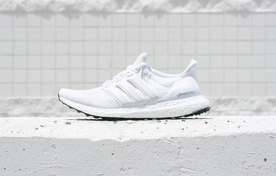 adidas-ultra-boost-white-black-soles