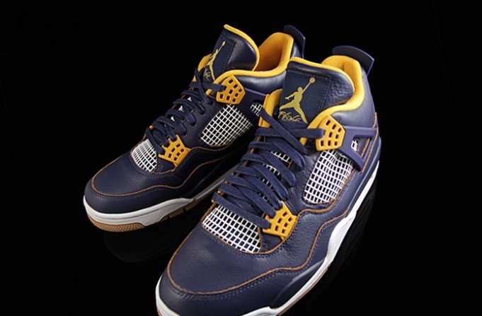air-jordan-4-iv-dunk-from-above-01-681x447