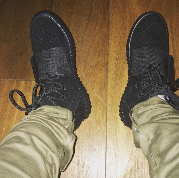 black-yeezy-750-on-feet