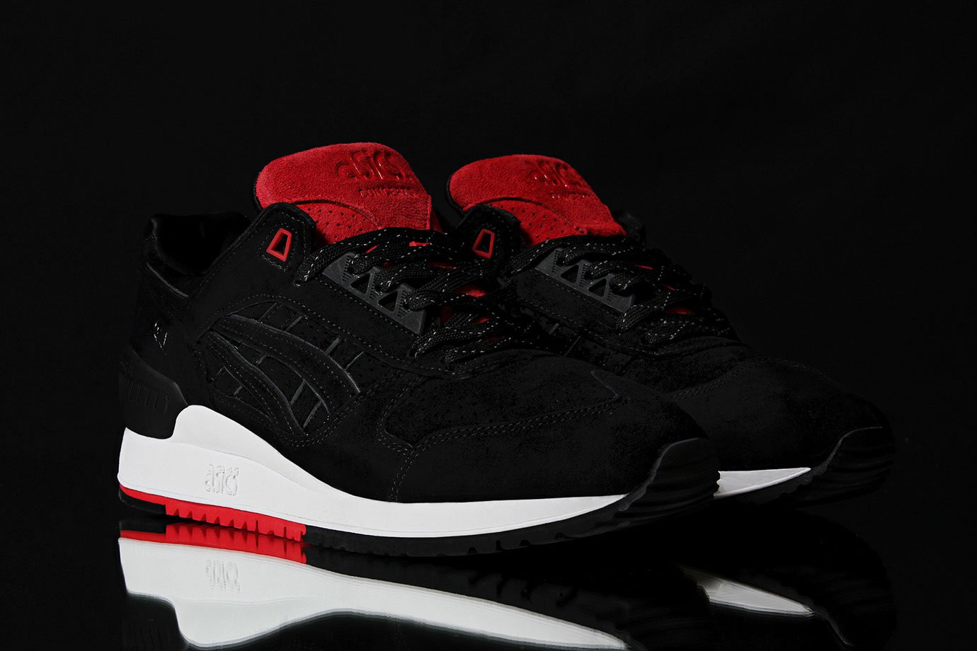 concepts-asics-black-widow